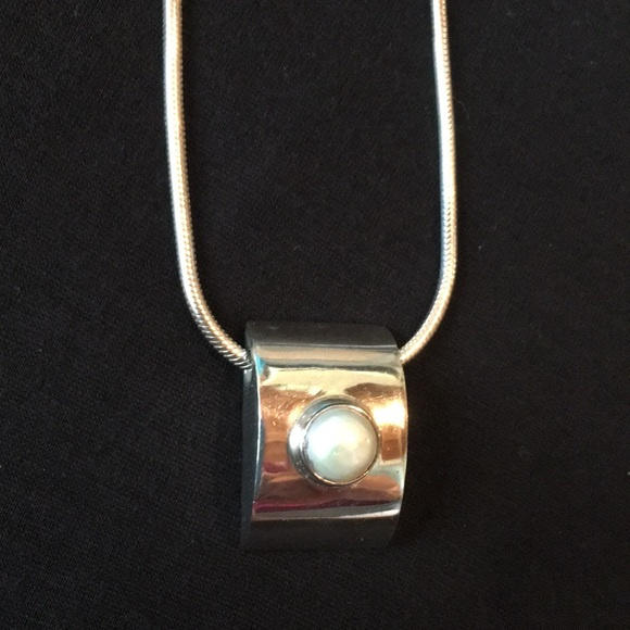 Jewelry - Sterling silver/ pearl necklace